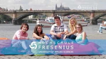 """""""Nastartuje s námi kariéru"""" radí nový spot Hochschule Fresenius Praha."""