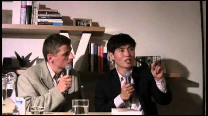 Diskuze se zúčastní koreanista Jaromír Chlada a moderování se ujme Štěpán Černoušek. Tlumočení z korejštiny: Tomáš Horák.